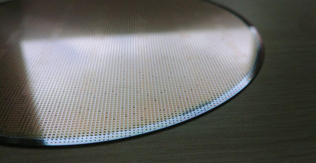 wafer aus silikon mit mikrochips