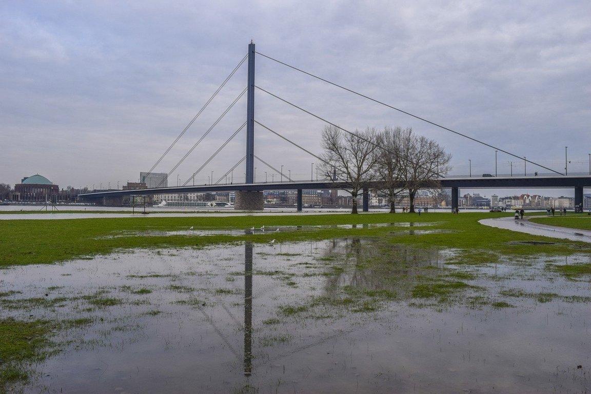 wasser extremereignisse starkregen hochwasser dürre