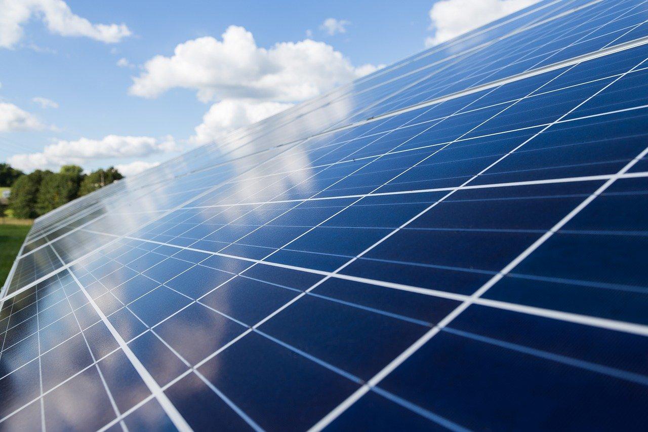Auf welche Förderprogramme können Unternehmen bauen, wenn sie in Energieeffizienz und Klimaschutz investieren wollen? Lesen Sie mehr.